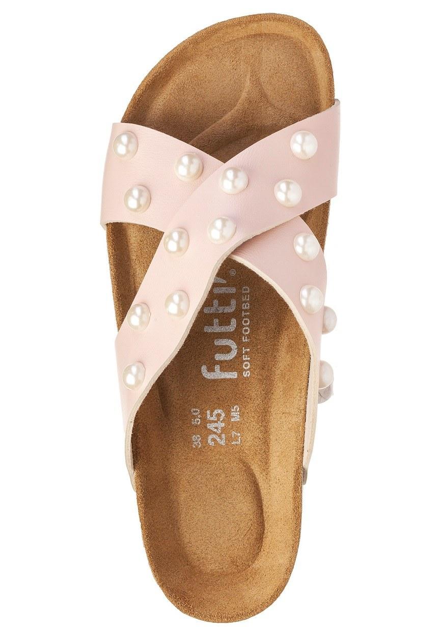 Futti Rene Nude Pearls